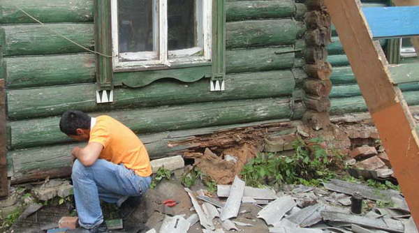 Как подрубить деревянный дом своими руками 81